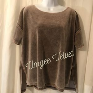 UMGEE velvet oversized top
